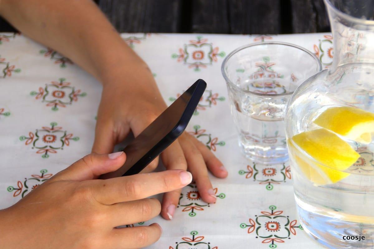 kinderen en smartphones